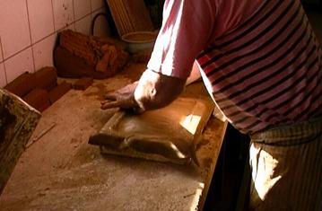 Handgeformte Ofenkacheln
